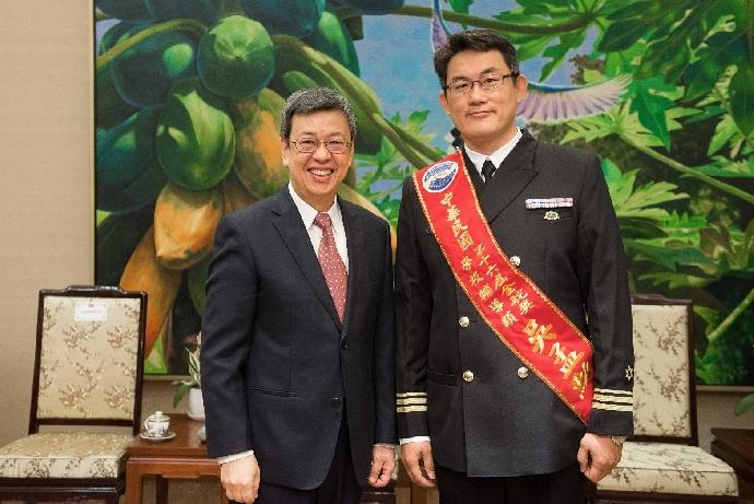 軍訓室吳孟勳教官獲「第16屆金舵獎」 陳副總統接見
